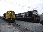 NS 52 and CSX 1127
